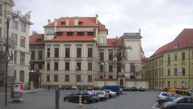 Дворец Клам-Галласа